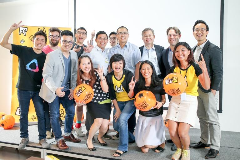 4. 本次活動由台灣虛擬與擴增實境產業協會(TAVAR)與台灣新創競技場(Taiwan Startup Stadium)共同主辦,榮幸邀請到紐約市媒體實驗室、互動多媒體營運商Tiger Party、HTC VR新技術團隊等貴賓,以及台灣八家VR新創團隊上台簡報,引起熱烈迴響。.jpg